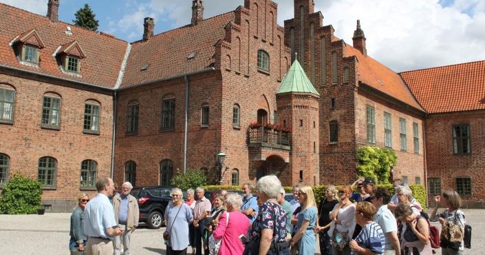 Køb billet til Roskilde Kloster sommerrundvisninger